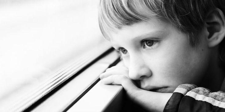 """Le magazine féminin #FemmeActuelle vient de publier sur son site un article sur les #TSA :) Son titre : """"#Autisme : démêler le vrai du faux"""" (Y) Interview du professeur #RichardDelorme, responsable du Centre Expert FondaMental #Asperger & chef du service de pédopsychiatrie de l'Hôpital parisien Robert Debré. Ainsi que mes références de lectures pour mieux comprendre ce qu'est le #ContinuumAutistique ;)"""