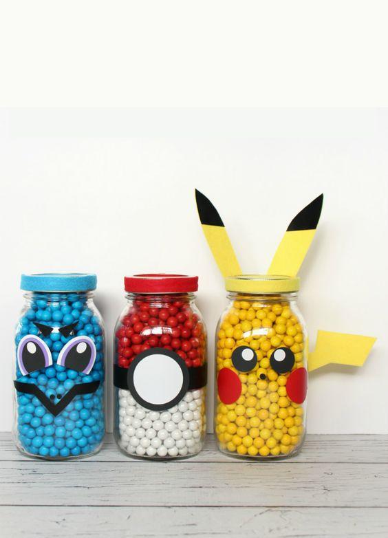 Você já deve ter ouvido falar na febre do Pokemon Go, né? Que tal pensar no tema para caprichar na decoração de uma festa infantil, por exemplo?