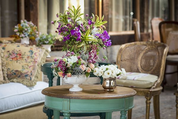 Decoração de casamento no campo  Lounge  Arranjos de flores  boho