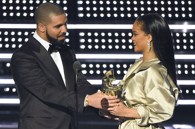 Twitter reactions to Drake's award presentation suggest that a woman is still…