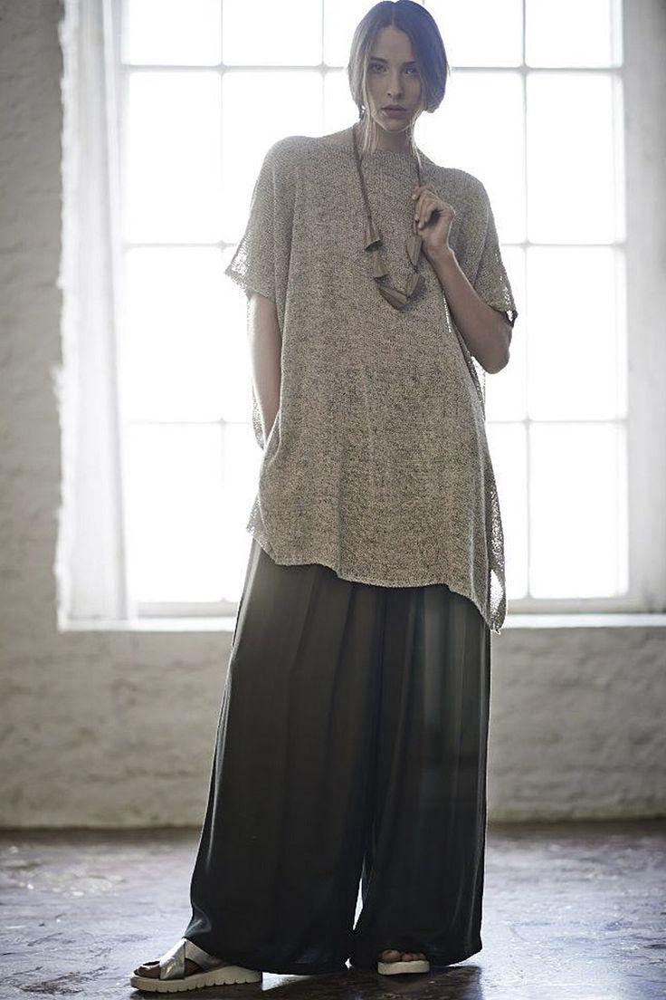 Купить Брюки ОЧЕНЬ ШИРОКИЕ креп от Lesel (Лесель) российский дизайнер одежды