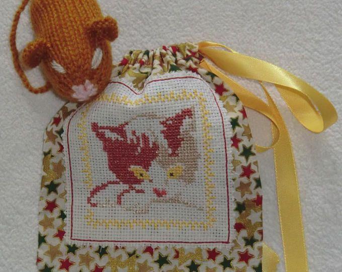 Sac pochon Chat - En tissu coton - Brodé à la main - Chat marron roux beige - Souris marron en laine - Tricotée à la main - Modèle Unique