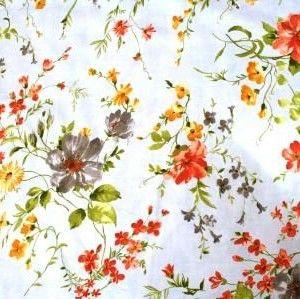 http://www.radicifabbrica.it/prodotto/tessuto-satin-h-cm-280-fiore-61a/   Tessuto Satin stampato a metraggio. Altezza cm 280.  Variante 61A fiore grande: fondo grigio chiaro, fiori arancioni, gialli e tortora.  composizione: 70% poliestere, 30% cotone.  ideale per trapunte, quilt e copripiumini.