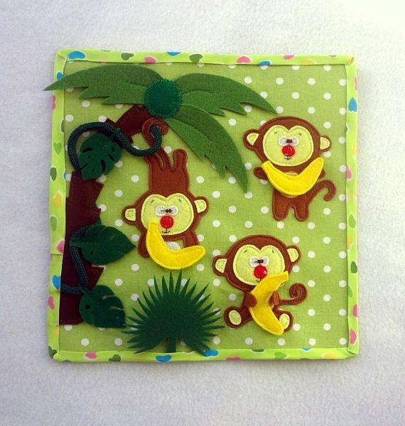 Page éducative «Funny monkeys», 20 * 20 cm. jouer avec bébé page peut apprendre à compter jusquà 3 (les trois singes, trois bananes), peut jouer le jeu «nourrir le singe», aussi, bébé peut jouer à cache-cache et cache-cache, il a besoin de trouver qui se cachait derrière les feuilles