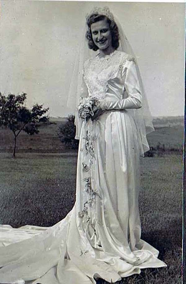 Trending When Helene Gryzwinski was preparing to marry her sweetheart Chester in she bought the dress at Kauffman us department store in Pittsburgh