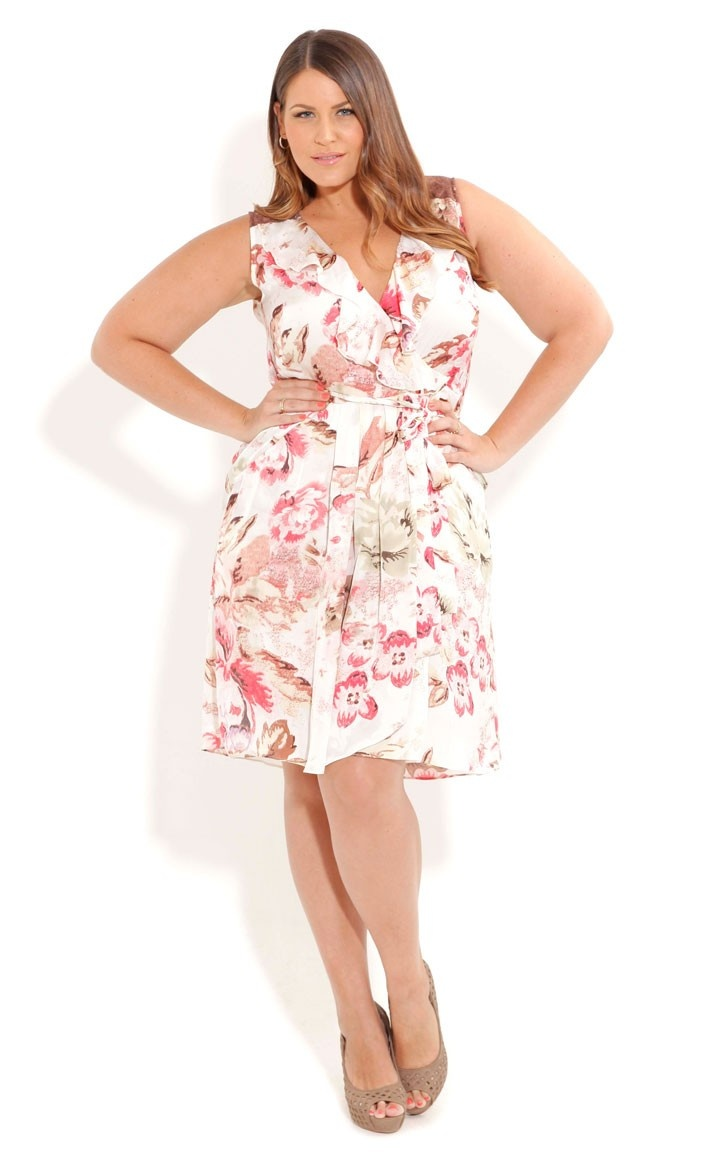 Plus Size & Curve Clothing Earn some serious style points with boohoo Plus – cut with confidence for curvier ladies. From fashion staples to on-trend pieces, Plus promises to keep your style game in check season after season.