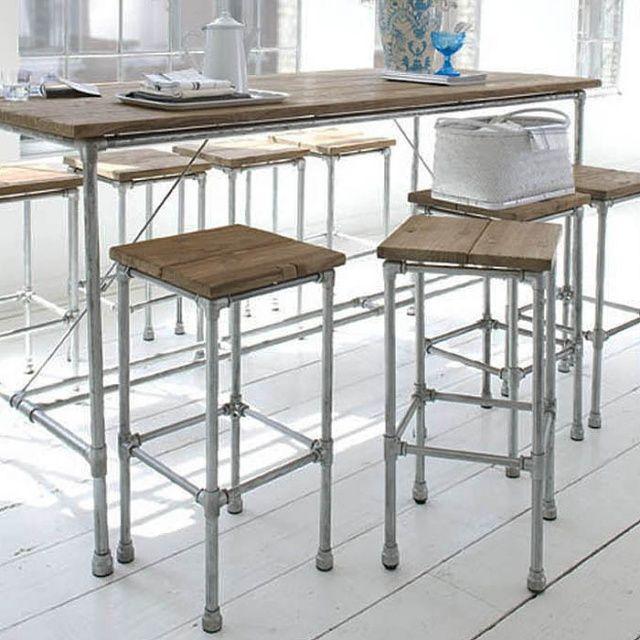 Стул барный Tavolo  металлические ножки, сиденье из массива тика. Возможен в варианте rustic и dingklik.