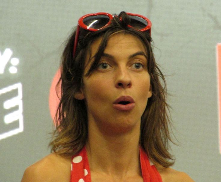 We met Natalia Tena, known for Harry Potter (Nymphadora) and Game of Thrones (Osha). We got a photo op with her and watched the Q&A.