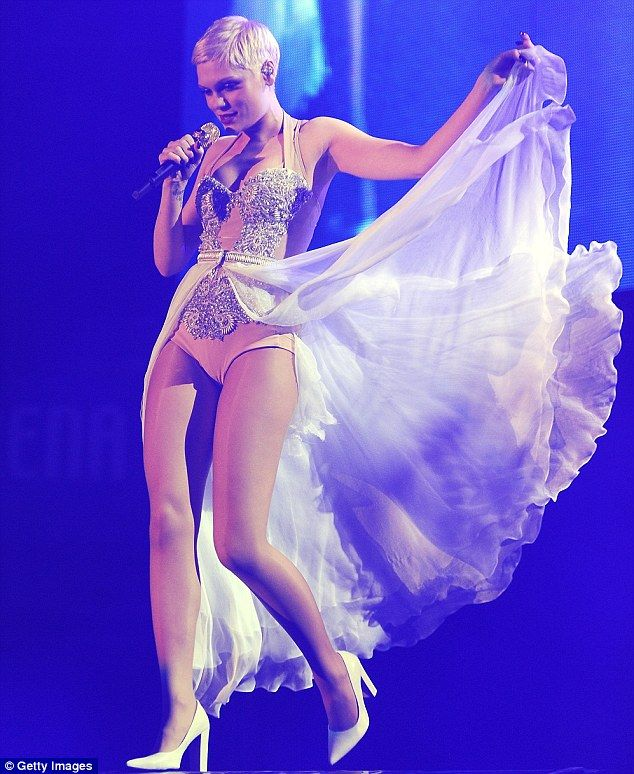 jessie j alive tour 2013, I went and have fallen in love wih this spectular dress.