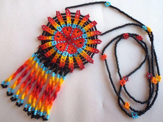 Mexican Huichol Beaded Peyote flower necklace van Aramara op Etsy