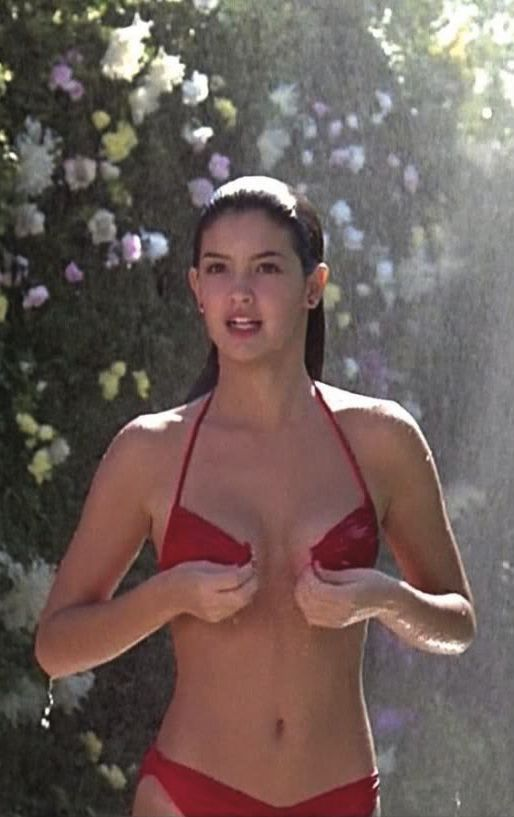 Oh blessed Pheobe Cates. First nude scene I ever saw. Her breasts were so glorious I nearly cried. To top it off she hasn't aged a day. Fast Times at Ridgemont High, 1982