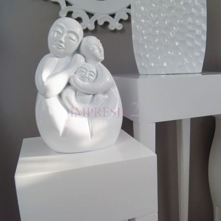 Dekoracyjna figurka | Decorative figurine #dekoracja #figurka #salon #sypialnia #wystrój #wnętrza #stylowe #białe #decoration #figurines #living_room #bedroom #interior #stylish #white