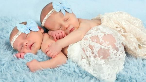 Bayi Baru Lahir Dipakaikan Bando, Akankah Merusak Ubun-ubun?