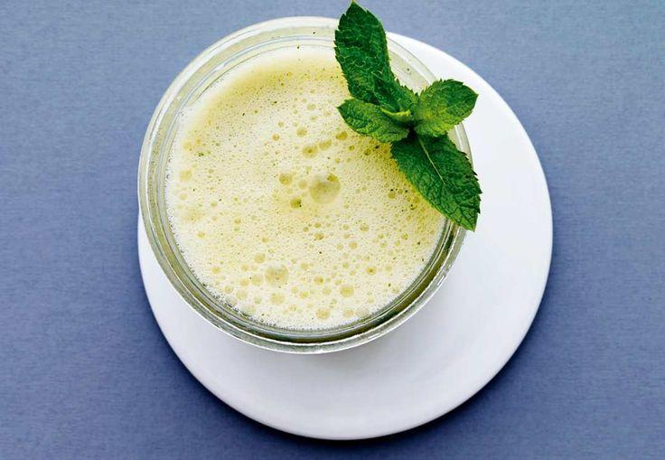 Ät - och drick - dig till en platt mage via I FORM-kurens recept. Testa till den här apelsindrycken med mango och ingefära som passar perfekt till frukost eller mellanmål.