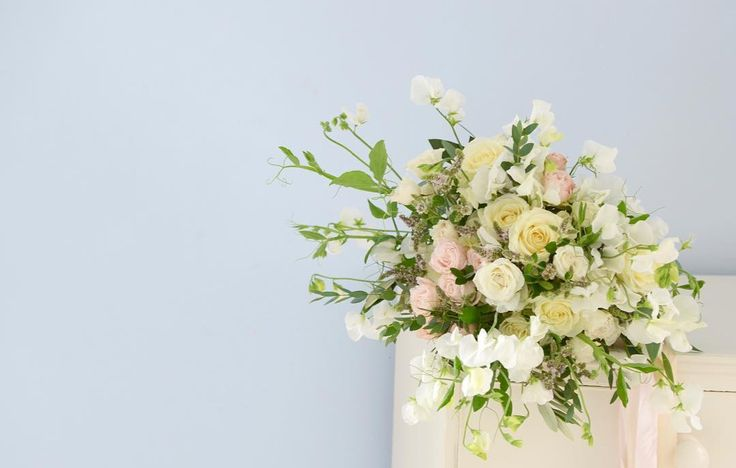 Soft and light - garden sweet pea mint and rose bridal bouquet (confession - not all the roses are from the garden not really having a second wind yet) with stunning silk ribbon from @katecullenstyle - - - - - #gatherandcurate #gatheringbeauty #underthefloralspell @flowerona #inspiredbypetals #petalsandprops #stylingtheseasons #aquietstyle @aquietstyle #embracingtheseasons #cherishandrelish_august #ccseasonal #bridebook #dsfloral #fouriadorefriday @kimklassen @prairiegirlstudio…