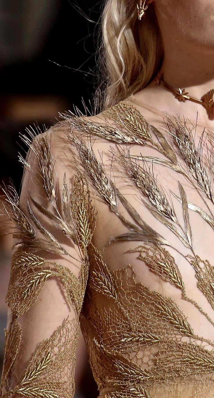Valentino Haute Couture Fall 2015 Details