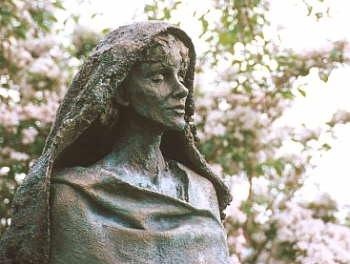 Hildegard von Bingen. Sculpture of Hildegard von Bingen at the Abbey Church ...: Musicians, Von Bingen, Hildegard Music, Hildegard Von, Christian Mystic, Benedictine Abbess, Medical Texts, Daniel Taylors, Blessed Hildegard