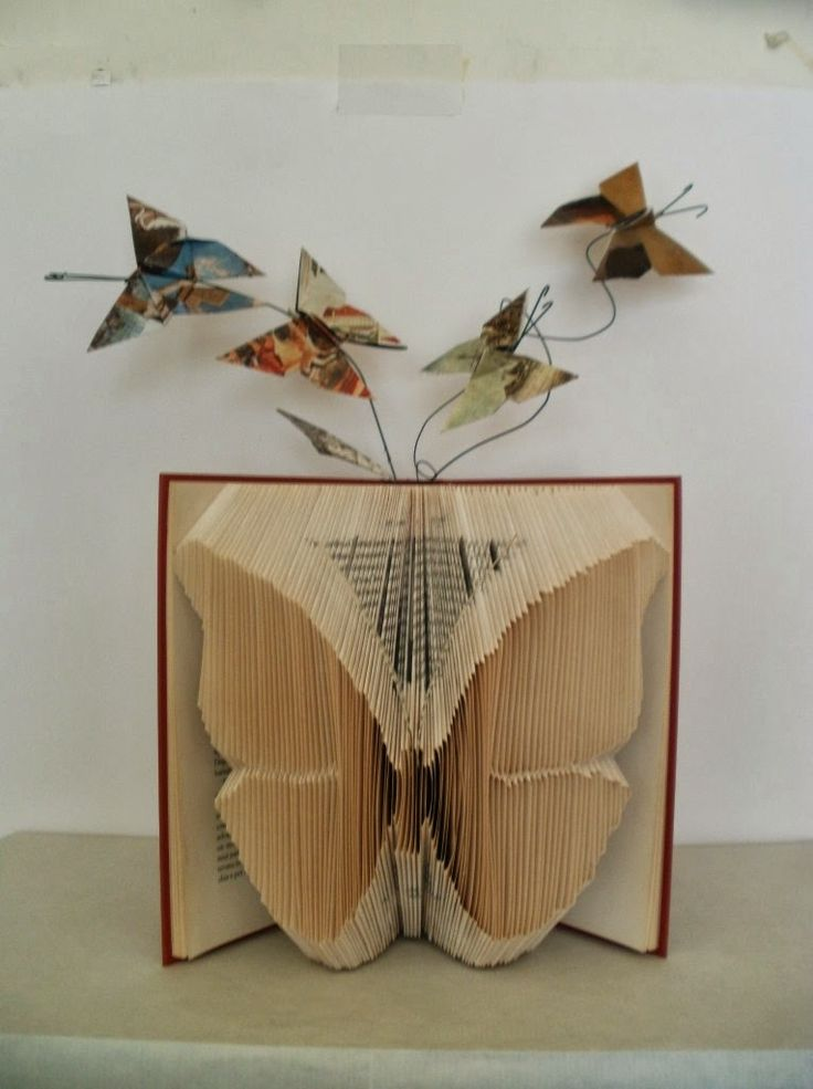 Rhymes With Magic: Clara Maffei's Folded Books