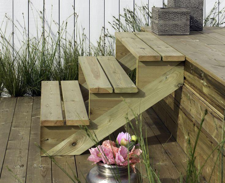Makkelijk en snel een tuintrap maken naar en veranda? Dat kan met deze kant-en-klare trapbalken. Van 2 traptreden tot en met7 traptreden, allemaal verkrijgbaar bij Gadero!