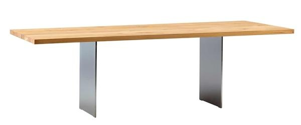 Dette bord, DK3 designet af Jacob Plejdrup og Ole Kristoffersen, er helt fantastisk sammen med Chairytale Chair stolene