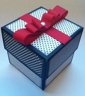 Paloma Scrapbook & Arte: Cartão-caixa surpresa de scrapbook - Exploding box