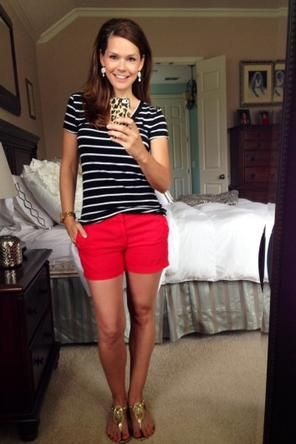stripe top/colored shorts/sandals