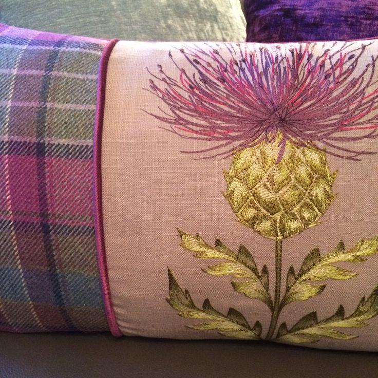Thistle+scent   ... Maison › Voyage Maison Damson Harris Thistle Tartan Long Cushion
