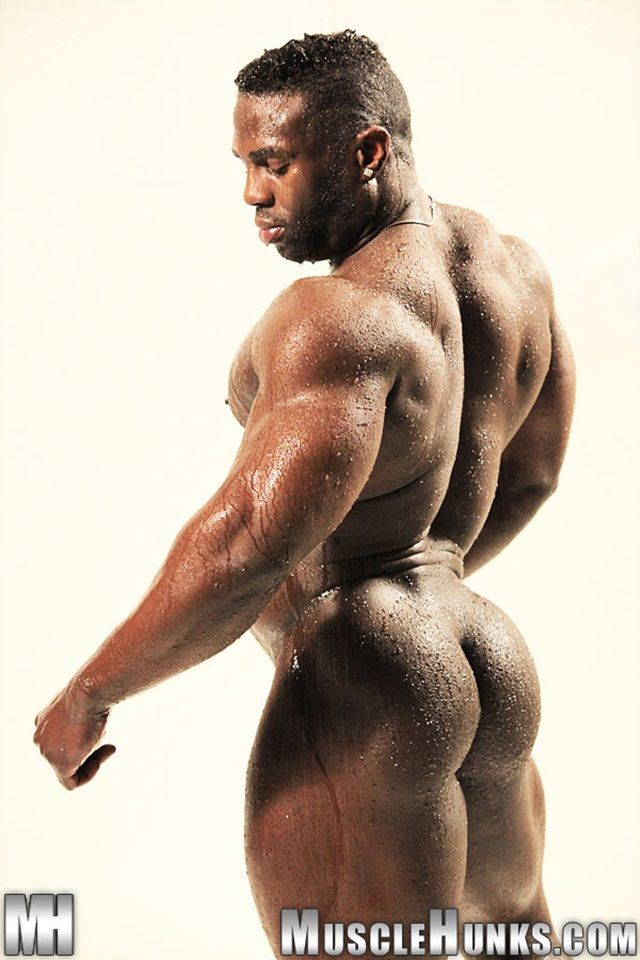 Black muscle top stuffing bbc in gingers ass 7