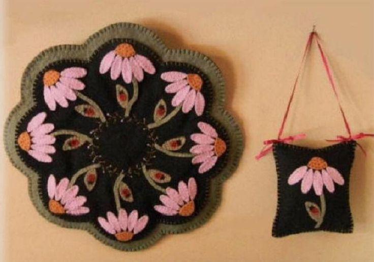 the daisy: Penny Rugs, Wool Felt, Felt Wool, Felt Crafts, Wool Applique, Pennies Rugs Candles, Rugs Candles Mats, Rugs Patterns, Ladybugs Pennies