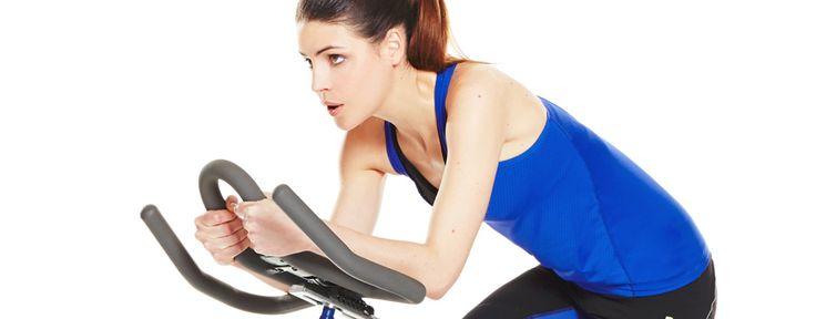 Le vélo d'appartement fait-il maigrir ? La réponse est OUI ! La preuve grâce à ce programme minceur sur vélo de 8 semaines, qui vous permettra de perdre raisonnablement du poids (environ 3 kg).