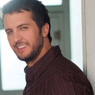 Luke Bryan Talks CMT on Tour Tailgates and Tanlines