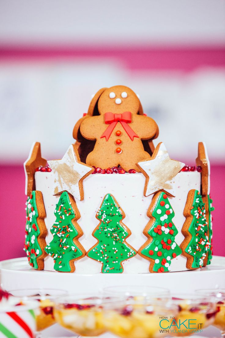Mix fresh fruits with rich treats for a well-balanced Christmas sweet table! Don't forget a playful Gingerbread Mega Cake for the centrepiece! #Baking #Dessert #Holiday