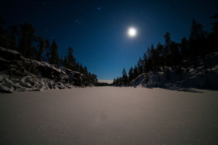 Night at the wilderness cottage in Nellim, in the northernmost Finland. Photo: Nellim Wilderness Hotel