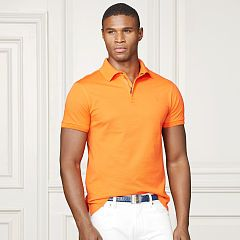 Esta es una camiseta tipo polo y puedes llevarlo cuando vas a su escuela. Esta camiseta tipo polo es anaranjado y es de algodón. A mi me gusta la camiseta tipo polo porque llevé una camiseta blanca cuando fui a escuela primaria. Puedes comprarla en la tienda de ropa Ralph Lauren, que está en los Estados Unidos.