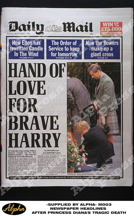 "NEWSPAPER HEADLINES AFTER DIANA'S TRAGIC DEATH ON 31/08/97 THE DAILY MAIL NEWSPAPER "" HAND OF LOVE FOR BRAVE HARRY "" PRINTED ON SEPTEMBER 5TH 1997 IN LONDON { 35p }"