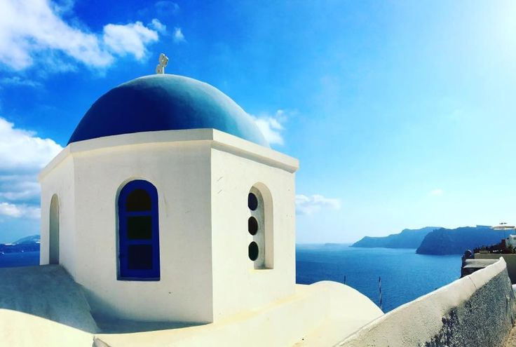 Language(s): Greek, English Currency: Euro (1 euro = $1.12) Must-See: Oia, Ammoudi Bay, Fira, Perissa Beach, Caldera, Hot Springs Let's take ourselves back to the moment we all fell in love w…