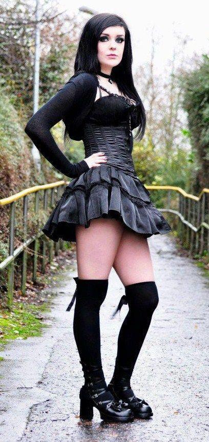 Crossdressr in public wearing black