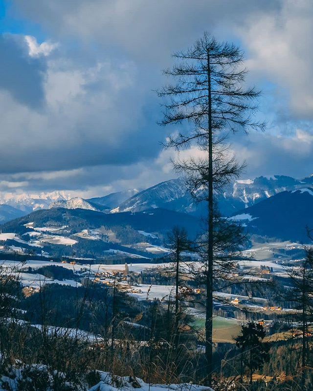 Schöckl View . . .  #photooftheday #smile #picoftheday #pictureoftheday #photography #photo #photos #picture #winter #season #cold #snow #ice #snowflakes  #nature #beauty #beautiful #tree #pretty #landscape #mountains #alps #schöckl #hike #walk #outdoors #fun #sun #smile