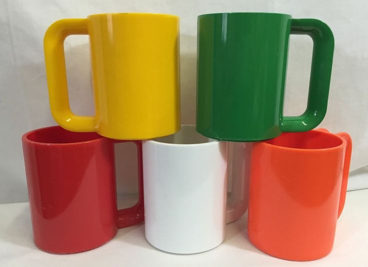 5 Vintage Ingrid Plastic Mugs Multi-Color Red Green Orange White Yellow Cups