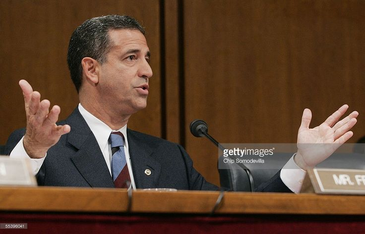 Sen. Russ Feingold (D-WI) questions Supreme Court Chief Justice nominee John Roberts in the second day of confirmation hearings for Roberts September 13, 2005 in Washington, DC. Roberts was questioned repeatedly about his beliefs on the landmark Roe vs. Wade case.