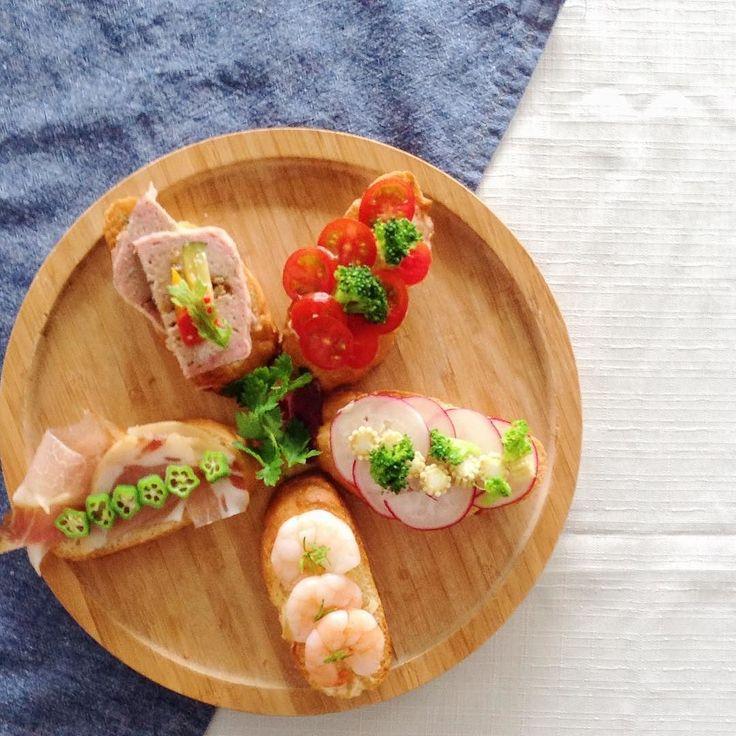 オープンサンド  パテドカンパーニュ 自家製生ハム ワインスチームシュリンプ プティトマト ラディッシュ ベビーリーフ チャービル オクラ ブロッコリー トレヴィス ラタトゥイユ  #オトコノキッチン #フランス大好き #チクワ星人 チャレンジします #グルメ部 #大人 #love #homemade #sandwiches #food #foodie #foodphotography #foodstyling #foodporn #foodgasm #instagood #instafood #instamood #instalike #gloobyfood #barredevink #kanoya