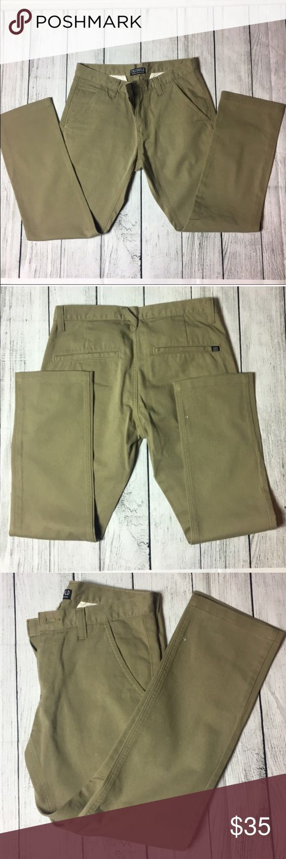 """🆕WOT👨🏻 Men's khaki pants The pert pair of khaki jeans. Made out of 100% cotton materials. They are NWOT. Has 5 usable pockets. MEASUREMENTS: waist 32""""- length 38"""" - inseam 28.5"""" FREEWORLD Pants Chinos & Khakis"""