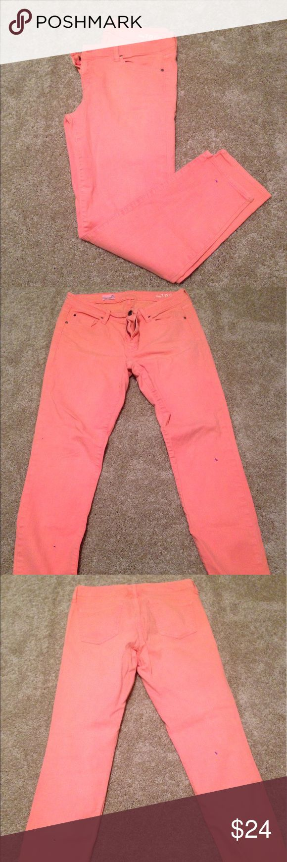 GAP Peach Skinny Jeans GAP peach/light orange skinny jeans! Great condition, perfect for spring, summer, pool parties, cruises, spring breaks, and beaches!! Offers welcome! GAP Pants Skinny