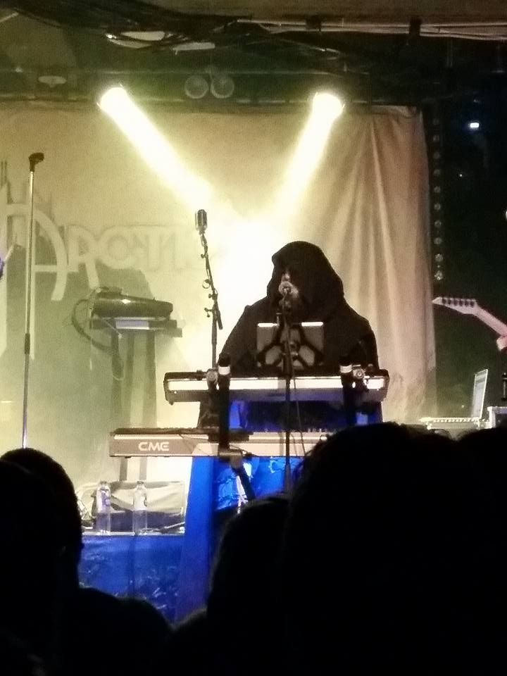 Blackwald - Twilight Force ⚫ Photo by Esther Salari ⚫ Borlänge 2016 ⚫ #TwilightForce #music #metal #concert #gig #show #musician  #Blackwald  #cape  #keyboard #mage #microphone  #armour #armor  #bracers #beard #hood  #playing #coat #earrings  #show #photo #fantasy #magic #cosplay #larp #man #onstage #live #celebrity #band #artist #performing #Sweden #Swedish #Liljan #Borlänge
