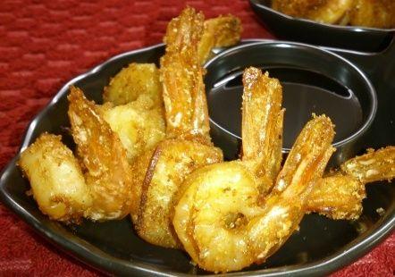 Жареные креветки в соевом маринаде