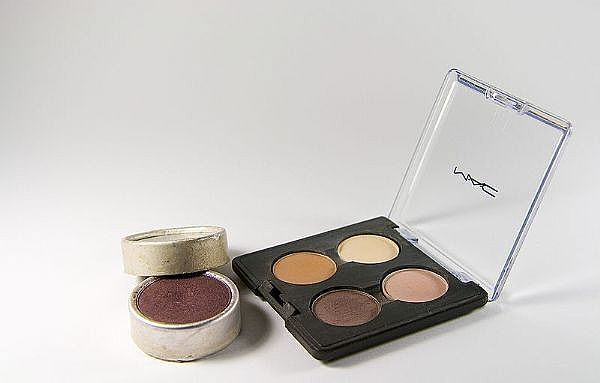 how to make your own eyeshadow primer