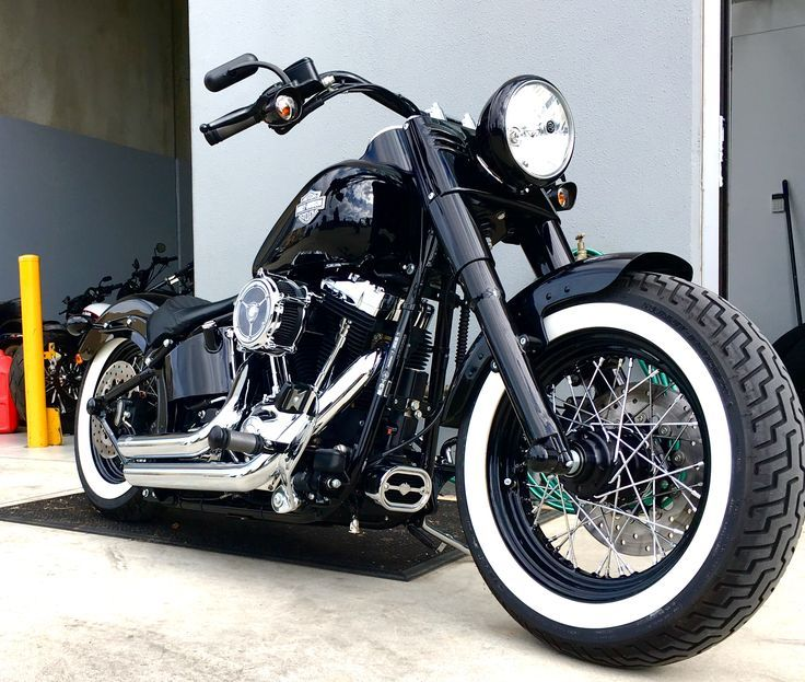 This beautiful 2014 Harley Davidson Softail Slim came in for a fresh set of Legend Air rear suspension.