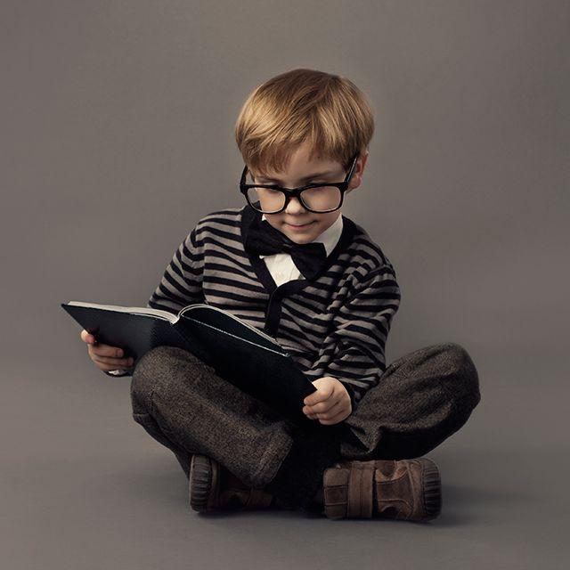 También se puede estar muy elegante para leer. Si no pregúntenle a él.