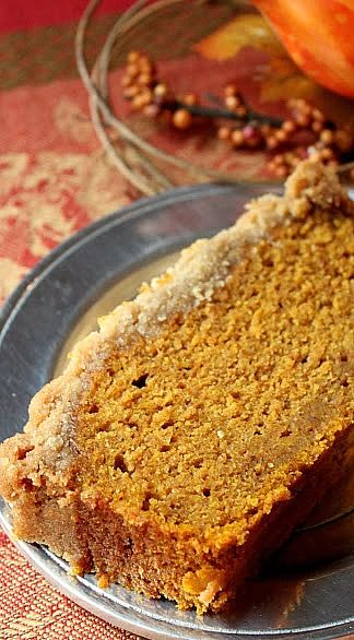 Pumpkin Bread with Streusel Topping #pumpkin_recipes #desserts