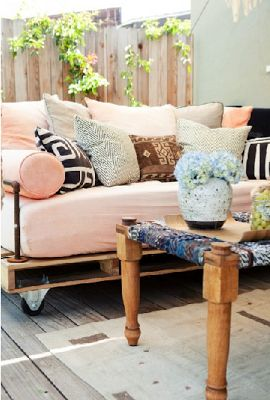 best/most comfortable looking pallet couch I've seen